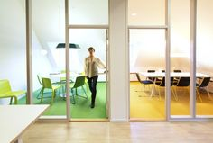 Big glass areas for meeting room