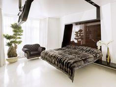 Dramatic minimalist bedroom