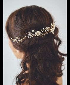 Brautkranz Haarschmuck Perlen Tiara Diadem Hochzeit Haarschmuck Dieser Brautkranz (einen flexiblen Schmuckdraht, den man nach Belieben formen kann) ist ein ganz besonderes Accessoires für ihre...