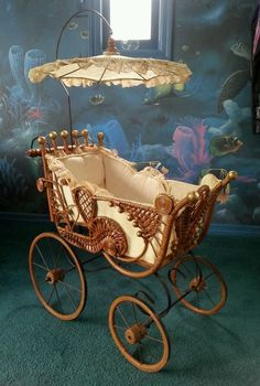 Rare Antique Baby Doll Carriage Buggy Stroller Pram Wicker Lace with Parasol Seltene antike Baby Doll Carriage Buggy Kinderwagen Kinderwagen Wicker Lace mit Sonnenschirm Vintage Pram, Vintage Toys, Baby Furniture, Doll Furniture, Victorian Furniture, Antique Furniture, Antique Toys, Rare Antique, Antique Nursery