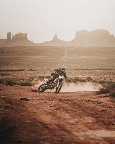 Ethen Roberts mobbing like little blanket - aaron - Motorrad Enduro Motocross, Motorcycle Camping, Scrambler Motorcycle, Motorcycle Adventure, Nitro Circus, Triumph Motorcycles, Monster Energy, Mopar, Purpose Of Travel