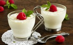 Türk Mutfağı'nın geleneksel sütlü tatlılarından olan Pratik Sade Muhallebi Tarifi, görsel ve yazılı anlatımı ile Evdeki Pastane sayfamızda hazırdır. Özellikle çocuklar için çok sağlıkl…