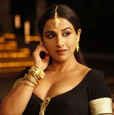 Vidya Balan Biography, Height, Weight, Age, Size, Family, Affair, Lifestyle Bollywood Images, Bollywood Actress Hot Photos, Bollywood Celebrities, Actress Photos, Bollywood Actors, Bollywood News, Bollywood Girls, Bollywood Fashion, South Indian Actress