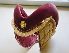 DIY Making a Medieval Escoffin / Heart Shaped Headpiece