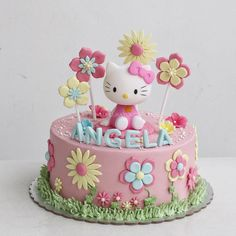 Cake fondant girl hello kitty ideasYou can find Hello kitty cake and more on our website. Fondant Cupcakes, Fondant Girl, Fondant Cake Designs, Ladybug Cupcakes, Kitty Cupcakes, Snowman Cupcakes, Giant Cupcakes, Cupcake Cakes, Hello Kitty Theme Party
