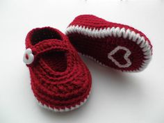Crochet baby booties baby shoes Valentine day by editaedituke
