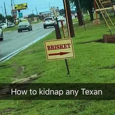 Eighteen Texas Memes Full Of That Southern Hospitality Funny memes that GET IT and want you to too. Get the latest funniest memes and keep up what is going on in the memeosphere. Stupid Funny Memes, Funny Relatable Memes, Funny Texts, The Funny, Funniest Memes, 9gag Funny, Funny Stuff, Texas Humor, Texas Meme
