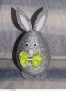 Stylowi.pl - Odkrywaj, kolekcjonuj, kupuj Spring Crafts, Holiday Crafts, Easter Flower Arrangements, Yarn Flowers, Diy Ostern, Easter Crochet, Easter Activities, Easter Crafts For Kids, Rock Crafts