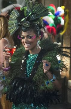 """The Carrie Diaries -- """"Fright Night"""" -- Pictured: Freema Agyeman as Larissa -- Image Number: -- Photo: David Giesbrecht/The CW -- © 2013 The CW Network, LLC. All rights reserved. New Amsterdam, Halloween Dress, Diy Halloween Costumes, Halloween 2016, Costume Ideas, The Carrie Diaries, Annasophia Robb, Idole, Fright Night"""