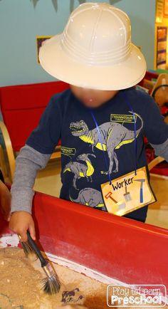 Play to Learn Preschool: Dinosaur Dramatic Play Dinosaur Classroom, Dinosaur Theme Preschool, Dinosaur Dig, Dinosaur Activities, Dinosaur Party, Preschool Lessons, Preschool Activities, Link And Learn, Dramatic Play Centers