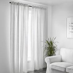 AINA gordijnen | IKEA IKEAnl IKEAnederland designdroom gordijn wit inspiratie wooninspiratie interieur wooninterieur kamer woonkamer slaapkamer linnen decoratie