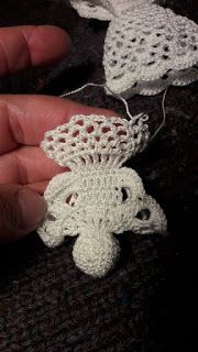 Angyalka horgolás: HORGOLT TÉRBELI ANGYALKA RÉSZLETESEBB FOTÓKKAL Crochet Christmas Decorations, Christmas Ornaments, Cute Crochet, Knit Crochet, Crochet Doll Tutorial, Crochet Angels, Crochet Leaves, Woodland Christmas, Xmas Gifts