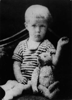 Alexander Solzhenitsyn at the age of two.  [::SemAp FB || SemAp G+::]