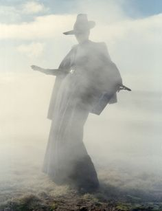 mist. ANOTHER pic by Tim Walker. I.AM.ADDICTED.