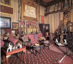 The Vittoriale's room of relics Classic Library, Antique Interior, Celebrity Houses, Where The Heart Is, Beautiful Interiors, Rogues, Wonderful Places, Sweet Home, Interior Design