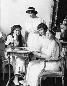 The beautiful Romanov sisters.Maria, Tatiana, Anastasia and Olga. 'OTMA'
