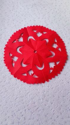 10 Simple and Easy Paper Cutting Crafts Paper Flowers Craft, Paper Crafts Origami, Easy Paper Crafts, Diy Arts And Crafts, Flower Crafts, Creative Crafts, Diy Crafts, Paper Snowflake Designs, Paper Cutting