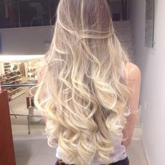 Long hair color ideas Looking for a new update and hair color ideas for a fresh new look? Here in this post we collected Long Hair Color Ideas that can boost your energy! Balayage Blond, Blonde Hair, My Hairstyle, Pretty Hairstyles, Wavy Hairstyles, Beautiful Long Hair, Gorgeous Hair, Coiffure Hair, Hair Day