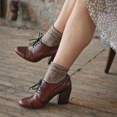 40 Gorgeous Oxford Heels You'd Love To Wear - Mode - Mixed Shoes Sock Shoes, Cute Shoes, Me Too Shoes, Women's Shoes, Shoe Boots, Dress Shoes, Dress Clothes, Shoes Men, Ankle Boots