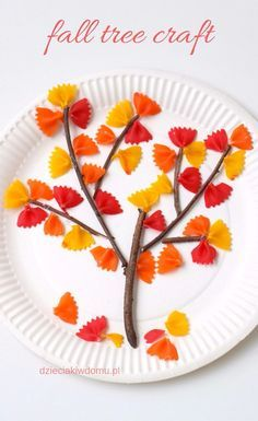 Jesienne drzewko z kolorowego makaronu | fall tree craft for kids