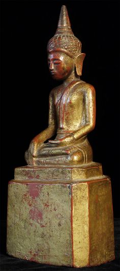 Antique wood Thai Buddha. Most of original lacquer and gilding remain.