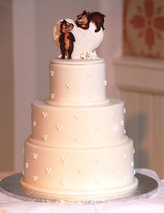 Disney Chip and Dale wedding cake