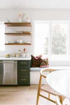 A simple kitchen design for middle class family is something you could consider if you want to deal with the kitchen's transformation on a Budget. Farmhouse Kitchen Cabinets, Modern Farmhouse Kitchens, Simple Kitchen Design, Interior Design Kitchen, Beach House Kitchens, Home Kitchens, Kitchen Cabinet Inspiration, Kitchen Ideas, Bohemian Kitchen