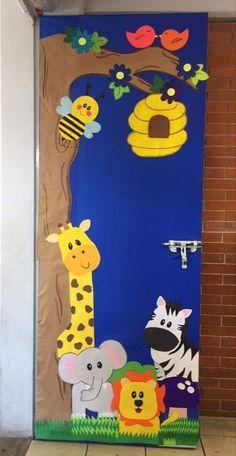 – Decorationn - New Deko Sites Decoration Creche, Board Decoration, Class Decoration, Kids Crafts, Preschool Crafts, Preschool Classroom Decor, School Door Decorations, School Doors, Art N Craft