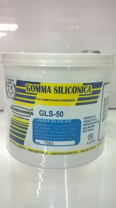 GLS-50  La GLS-50 é una gomma liquida, che vulcanizza a freddo per policondensazione, da usare per colata. La sua viscosità apparentemente elevata non le impedisce però di penetrare ovunque e di riprodurre ogni minimo dettaglio. E' adatta per costruire stampi a pozzo, cioè monovalva, di piccoli oggetti anche molto dettagliati e con forti sotto squadro, come figurini, statuine, bassorilievi, candele ecc. Con alcuni accorgimenti si possono realizzare anche stampi bivalva o a intercapedine