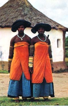 Xhosa Women, most likely from the Thembu tribe. African Tribes, African Women, African Art, African Style, African Culture, African History, We Are The World, People Around The World, African Beauty