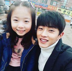 Kim Min Suk Shows Love For His Adorable Co-Star   Soompi