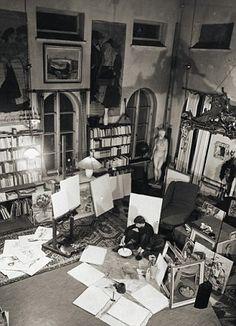 Tove in her studio in Helsinki, 1954