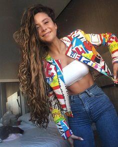 *datos curioso.    Camila Gallardo Camila Gallardo, Curly Hair Styles, Natural Hair Styles, Alexandra Stan, Fashion Killa, Women's Fashion, Curly Girl, Textured Hair, Hair Inspo