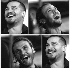 Gülüyor kardeşler   Aras Bulut Iynemli
