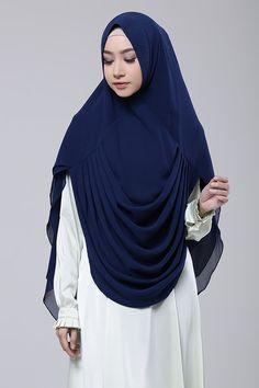Khimar Samirah | SiSeSa Khimar | HIJUP Niqab Fashion, Modern Hijab Fashion, Muslim Women Fashion, Hijab Style Dress, Hijab Chic, Hijab Outfit, Instant Hijab, Hijab Style Tutorial, Modele Hijab