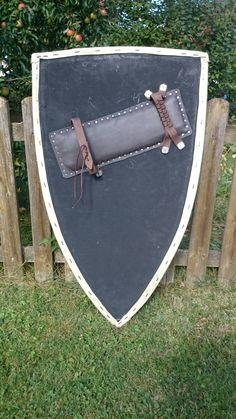Meine Rekonstruktion eines mittelalterlichen Schildes - Rückseite