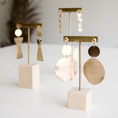 French manufacturer of wooden jewelry displays and jewelry holders for professionals and individuals Jewelry Booth, Jewelry Stand, Jewelry Holder, Wooden Jewelry Display, Jewellery Display, Jewelry Store Design, Jewelry Stores, Jewelry Shop, Earring Display Stands