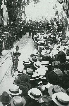 Subida à Glória, 1926 - Lisbon, Portugal