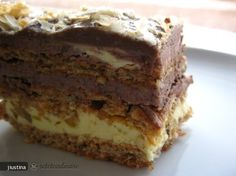 N-are egal! E cea mai buna! Romanian Desserts, Romanian Food, Sweets Recipes, Cake Recipes, Cooking Recipes, Cake Factory, Pastry Cake, Eat Dessert First, Something Sweet