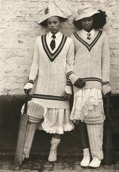 Cable-topped cricket ensembles. Charming!