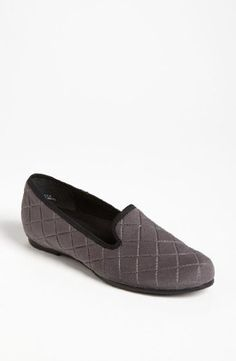 49c66d760e0e3e Munro Womens Jerrie Grey Quilted 7 N US   Want to know more