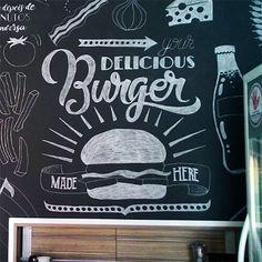 Mural em estilo #chalkboard para a RockBurger Hamburgueria. #lettering #type #burger #gourmet #food