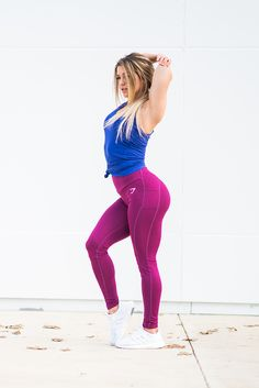 Stretch it out. Nikki Blackketter working out in the Sculpture leggings in Plum