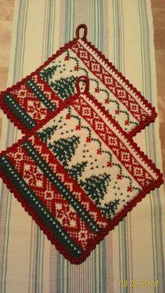 Knitting Charts, Knitting Patterns Free, Free Knitting, Crochet Patterns, Knitted Christmas Decorations, Christmas Stockings, Christmas Crafts, Crochet Potholders, Knit Crochet