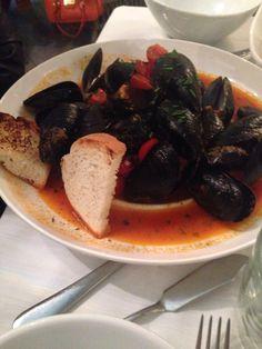 #pesce #cibo #food  #cucinamediterranea #cozzeallamarinara
