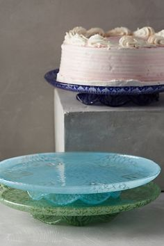 frosted doily cake stand #anthrofave #anthropologie #homedecor