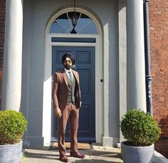 Ghaint ji Mens Fashion Suits, Mens Suits, Punjabi Men, Wedding Suits, Wedding Dresses, Trendy Suits, Formal Suits, Gentleman Style, Dress Codes