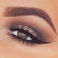 Perfect gold smokey eye! Love it!: