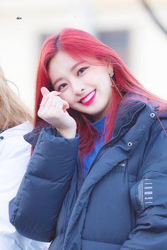 Beautiful Girl of Yuna Itzy - Girl Celebrities Kpop Girl Groups, Korean Girl Groups, Kpop Girls, Jin, Honda Civic 2004, Girl Celebrities, Fandom, South Korean Girls, Red Hair