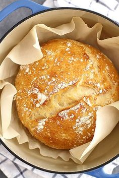 Dutch Oven Recipes - No-Knead Dutch Oven Bread - Easy Ideas for Cooking in Dutch Ovens - Soups, Stews, Chicken Dishes, One Pot Meals and Recipe Ideas to Slow Cook for Easy Weeknight Meals Slow Cooking, Dutch Oven Cooking, Dutch Oven Recipes, Cooking Recipes, Dutch Ovens, Artisan Bread Recipes, Dutch Oven Uses, Recipes For Bread, Dutch Oven Meals